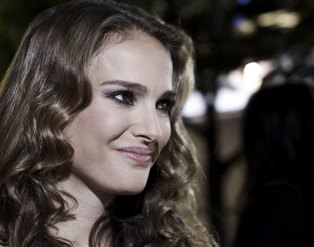 Natalie Portman speaks Japanese