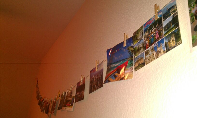 Decorating Ideas for Travel Addicts: Postcard Wall Hanging | Taken ...