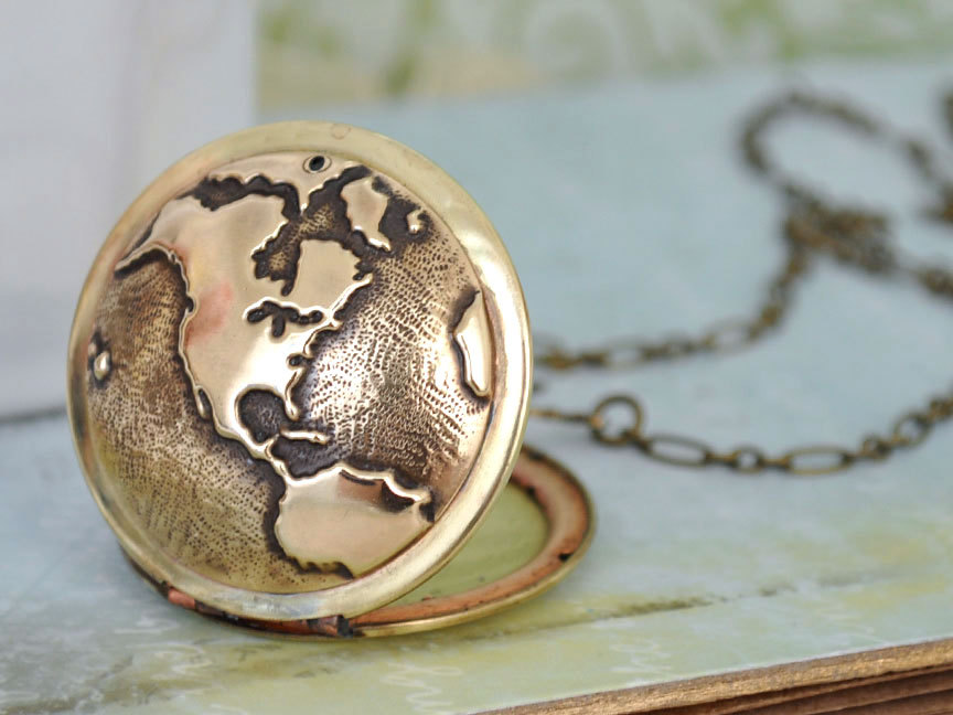 Vintage globe locket by Plastic Couture