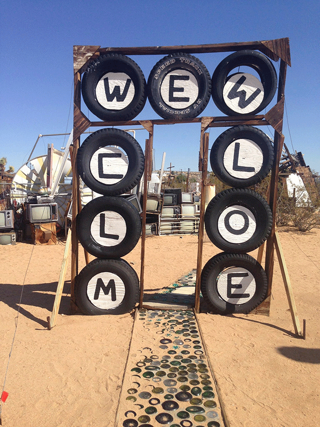 noah-purifoy-outdoor-desert-art-museum-4