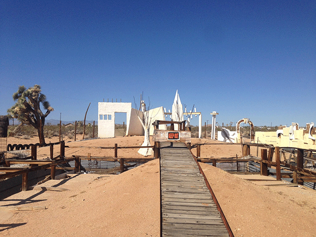 noah-purifoy-outdoor-desert-art-museum-7