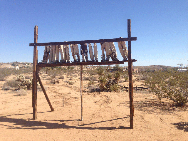 outdoor art Joshua Tree